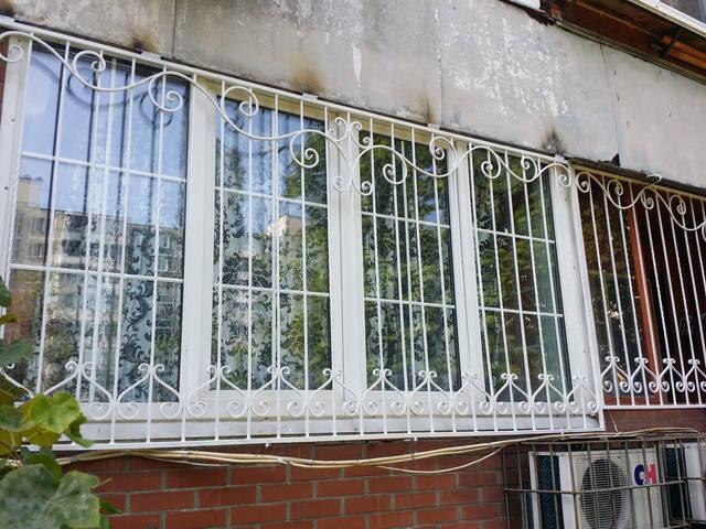 Решетки на окна кованые в Киеве 2