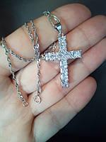 Женская подвеска крестик с цепочкой в камнях циркония