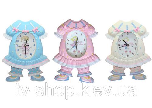 Часы с маятником Платье салатовое