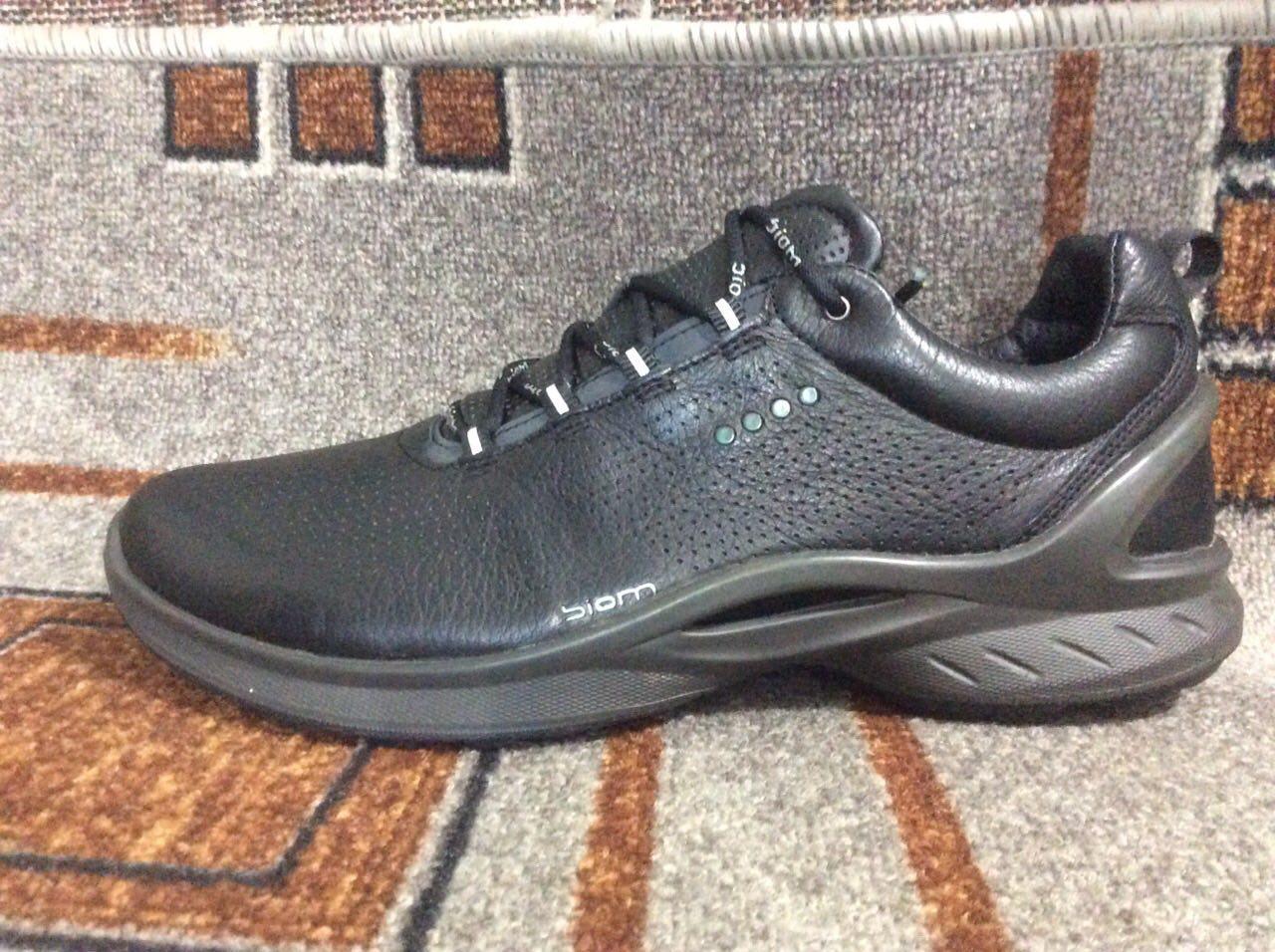 Подростковые мужские кроссовки в стиле ECCO BIOM FJUEL кожа черные на серой  подошве - nikestep. a3d453652329b