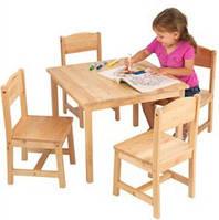Детские столы и парты.