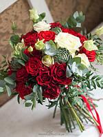 Свадебная флористика:украшение банкетного зала , букет невесты, бутоньерки,браслет дружки..