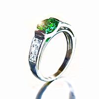 """Серебряное кольцо """"Магия"""" с зеленым фианитом"""