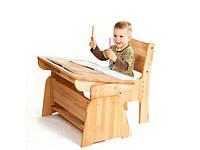 Детские парты, с регулируемой высотой под рост ребенка и углом наклона рабочей поверхности.