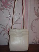 Белая кожаная сумка Emmy Wieleman на длинной ручке