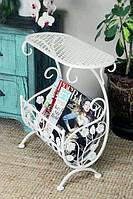 Журнальный столик с газетницой