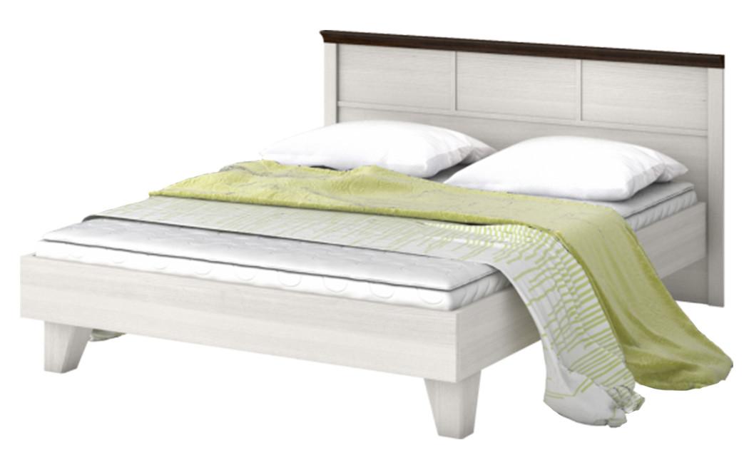 Кровать из массива дерева 059