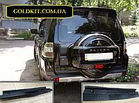 Накладка на задний бампер Mitsubishi Pajero Wagon 4