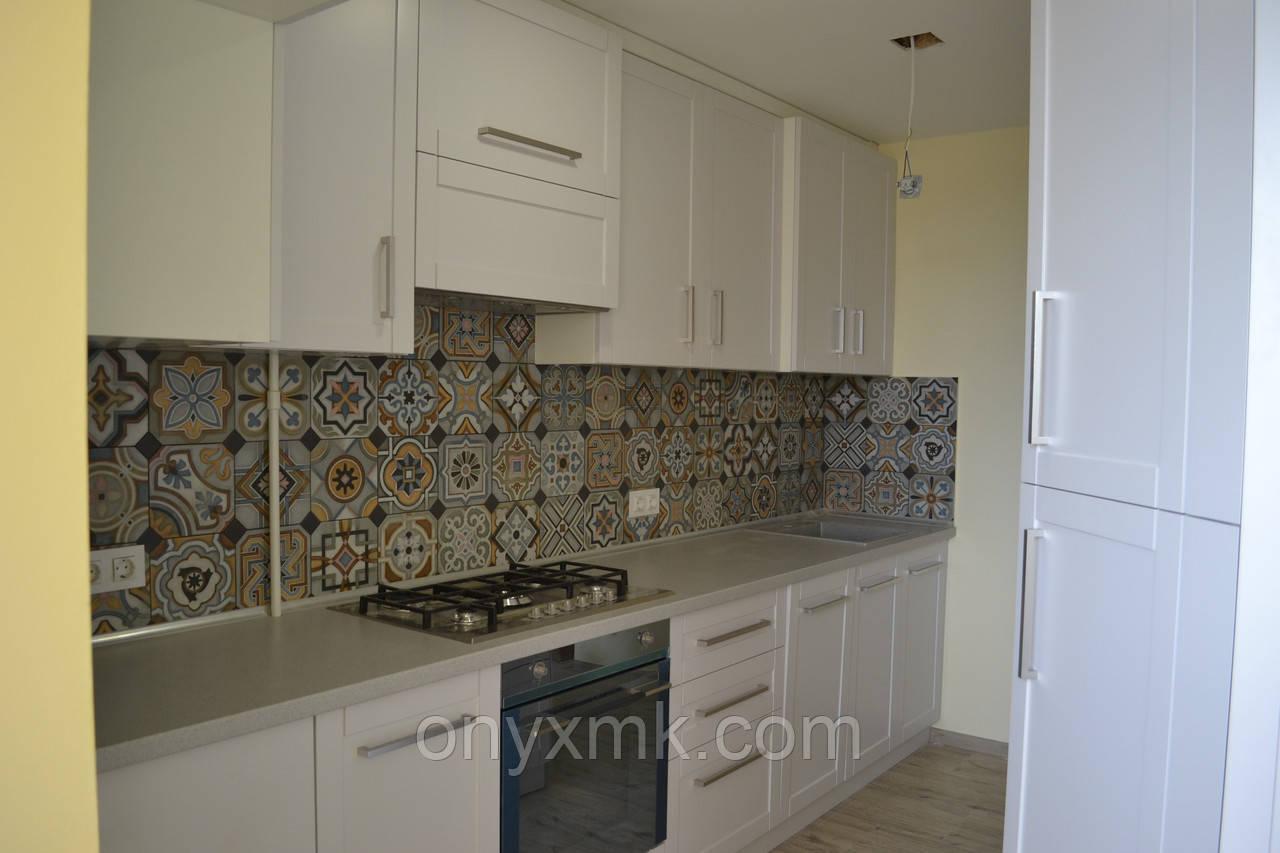 Оригинальная дизайнерская кухня с фрезерованными фасадами