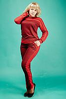 Теплый и сексуальный женский спортивный костюм красного цвета