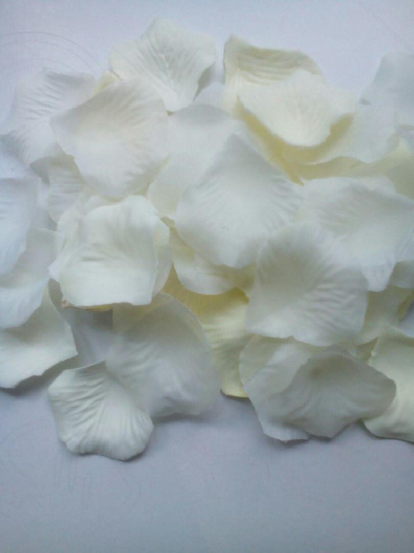 Пелюстки троянд (молочні, кремові, айворі), 300 шт