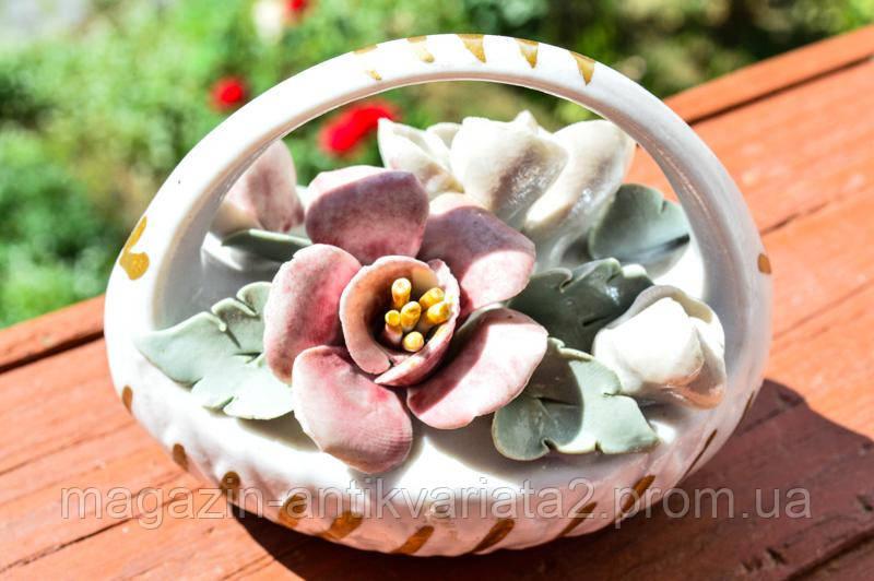 Очаровательная коллекционная корзина с цветами!