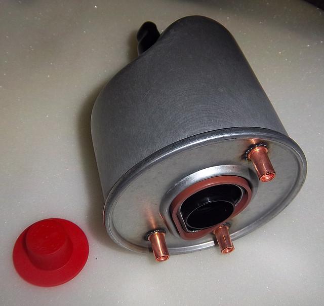 Топливный фильтр Peugeot 308 1,6HDI 09- Purflux