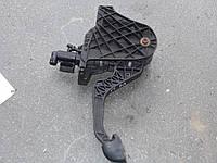 Педаль сцепления в сборе vw caddy 2004 -10
