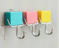 Крючок на магнитах на холодильник