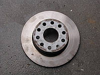 Тормозной диск задний  vw caddy 2004 -10 оригінал б.у