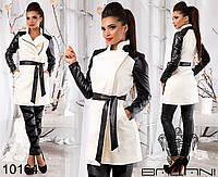 Стильное кашемировое  пальто с кожаными рукавами и поясом.