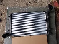 Радиатор интеркулера vw caddy 2004 -10 б.у