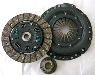 Сцепление, комплект 200 mm 1.4-1.6 16V Logan/Kangoo/Clio/Megane/Laguna Sassone Y077ST
