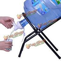 Бутылка воды инвертировать стойку с носиком и палкой