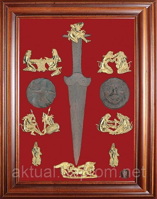 Коллаж Скифское золото с акинаком
