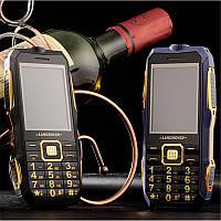 Противоударный защищенный телефон Land Rover T8 на 2 Sim + Фонарь батарея 10800 mah