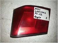 Фонарь задний внутренний правый Mitsubishi Carisma хетчбек 1995-2000 года. Код MR179514. БУ