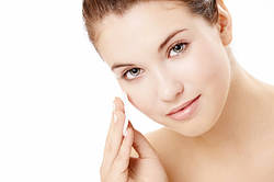 Як правильно змивати макіяж?