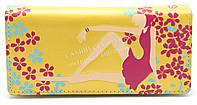 Женский оригинальный кошелек с цветным принтом с девушкой желтого цвета art. девушка сидит