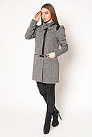 Привлекательное женское демисезонное пальто оригинального кроя на змейке с декором из экокожи твид