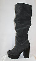 Стильные молодежные зимние  серые сапоги на каблуке из натуральной з