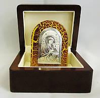 Икона комплектуется стильной , элегантной подарочной шкатулкой