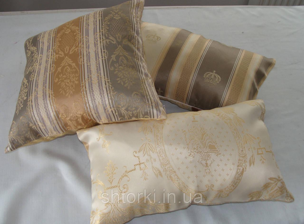 Комплект подушек оливка с золотом коронки, 3шт