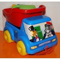 Грузовик для мальчика Вольво с набором,2 пасочки,лейка,грабли+совок,42х22х20см.