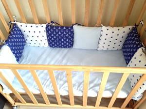 Подушечка - бортик для детской кроватки