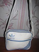 Белая сумка Adidas на длинной ручке