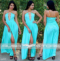 Вечернее платье с декольте