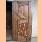 Эксклюзивные двери под старину из массива сосны