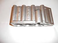 Крышка гидрораспределителя Р-80 (утюг) нижняя алюминиевая (3 секции) Р80-23.20.