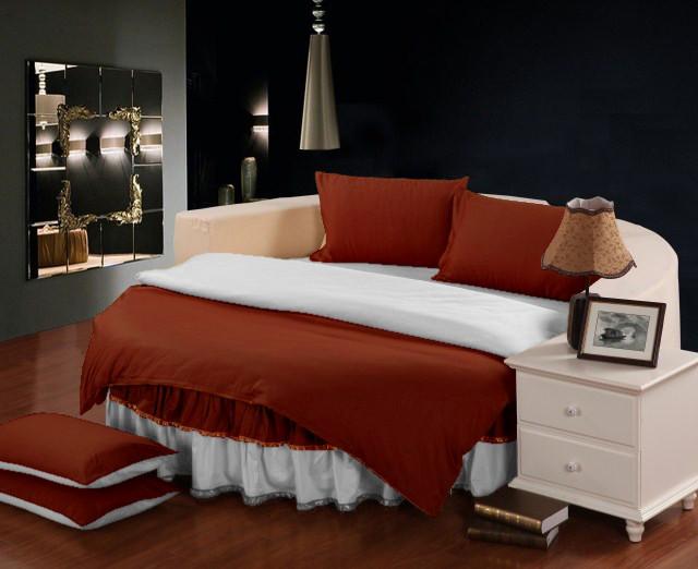 Круглая кровать. Комплект постельного белья с цельной простынью - подзором  Винный + Белый