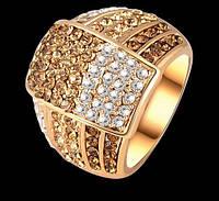 Позолоченное кольцо с австрийскими кристаллами р 17,19 код 249