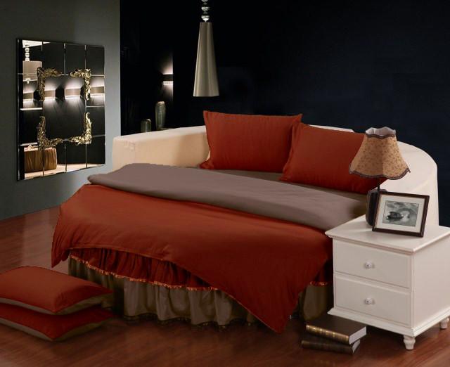 Постельное белье в комплекте с цельной простынью - подзором на Круглую кровать Винный + Порох