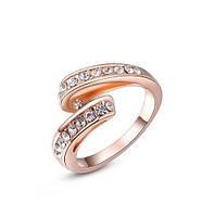 Позолоченное кольцо с цирконами р 16,17,18  код 259