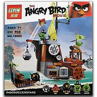 Конструктор Angry Birds 19005 Пиратский корабль свинок