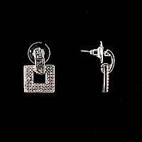 Серьги-пусеты с подвеской квадрат, белые стразы, металл под серебро, 2,7см