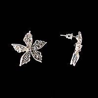 Серьги-пусеты Цветок, белые стразы, металл под серебро, 2,5см