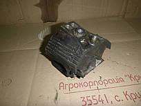 Подушка двигателя правая (2,5  DTI) Volkswagen Crafter 06-11 (Фольксваген Крафтер), 2E0199379F