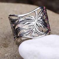 Женское серебряное кольцо с узором