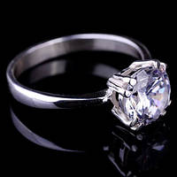 Женское серебряное кольцо с фианитом