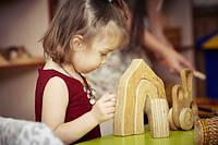 Развивающая игрушка пазл Пещера из натурального дерева